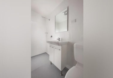 Spark Ensuit Bathroom Fp 1200t